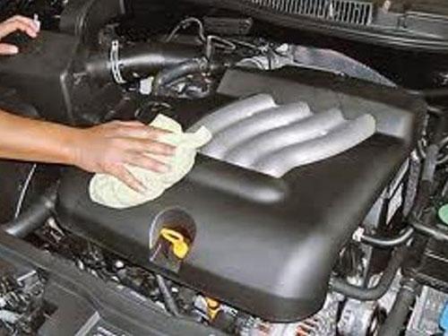 Чем мыть двигатель автомобиля своими руками